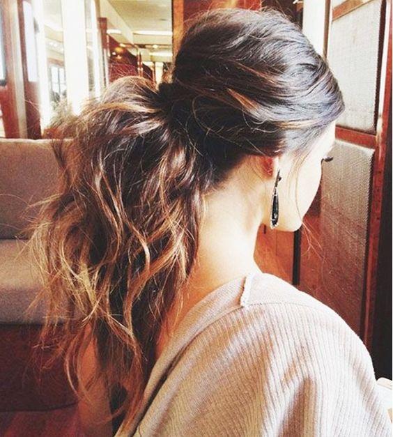 Undone bouncy ponytail