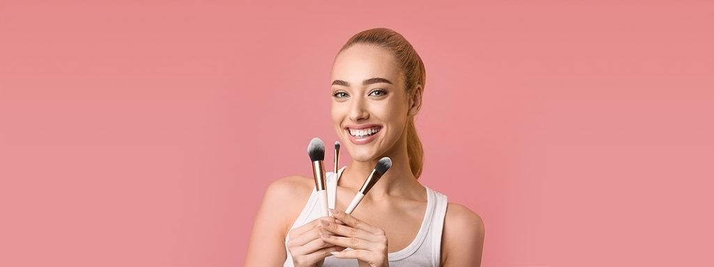 How to Pick the Best Foundation Brush for Any Occasion
