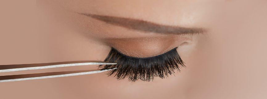How to Put On Fake Eyelashes